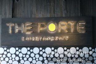 Foto 19 - Eksterior di The Porte Eatery and Cafe - FM7 Resort Hotel oleh Kevin Leonardi @makancengli