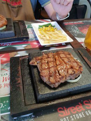 Foto 1 - Makanan di Street Steak oleh Nicole Rivkah