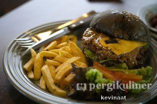 Foto review Royale Bakery Cafe oleh @foodjournal.id  2