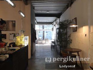 Foto 1 - Interior di Janjian Coffee oleh Ladyonaf @placetogoandeat