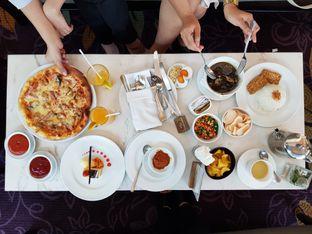 Foto 1 - Makanan di The Pavilion - JW Marriott Hotel Surabaya oleh Amrinayu