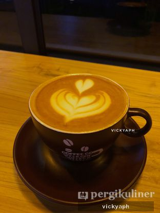 Foto - Makanan(Coffee Latte) di Cornerstone Coffee oleh Vicky @vickyaph