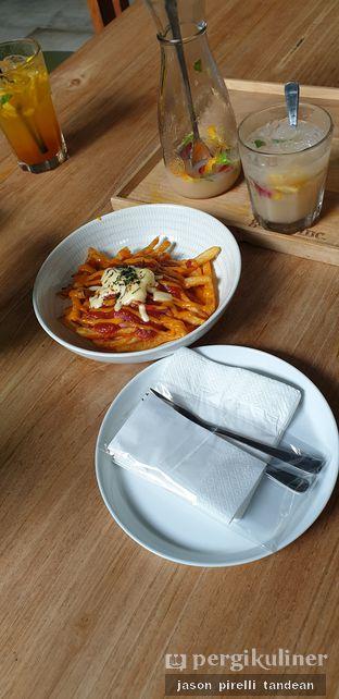 Foto 2 - Makanan(Poutine Lava) di Gatherinc Bistro & Bakery oleh Jason Pirelli Tandean