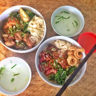 Foto 1 - Makanan di Bakmi Bebe oleh Astrid Huang | @biteandbrew
