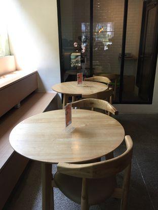 Foto 8 - Interior di Honey Beans Coffee & Roastery oleh Yohanacandra (@kulinerkapandiet)