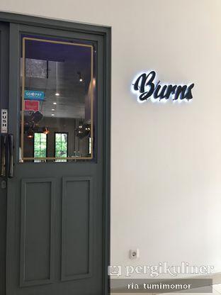 Foto 7 - Interior di Burns Cafe oleh riamrt