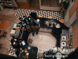 Foto 6 - Interior di New Lareine Coffee oleh Fajar | @tuanngopi
