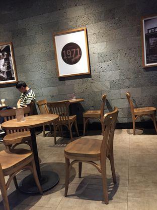 Foto 3 - Interior di Starbucks Coffee oleh Yohanacandra (@kulinerkapandiet)