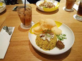 Foto 8 - Makanan(paket nasi goreng) di Wok 'N' Tok - Yello Hotel Jemursari Surabaya oleh Ratu Aghnia