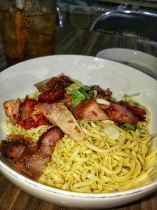 "Foto - Makanan di Soto Mie ""AGIH"" Sukabumi oleh hanzel christheo @jakarta.foodtravell"