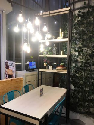 Foto 7 - Interior di Mokka Coffee Cabana oleh Prido ZH