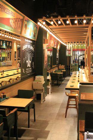 Foto 9 - Interior di Sushi Groove oleh Prido ZH