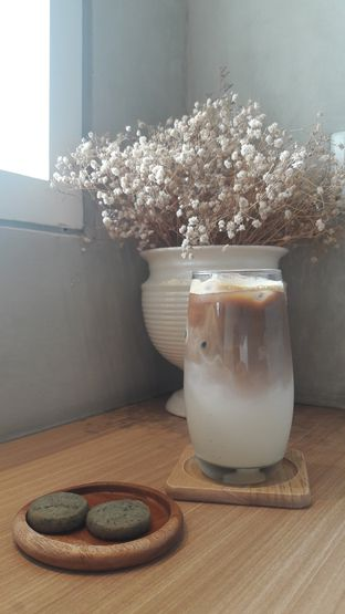 Foto 2 - Makanan(Coffe latte) di Vallee Neuf Patisserie oleh Perjalanan Kuliner