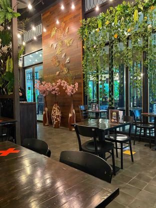 Foto review Babochkaa Bistro & Coffee Bar oleh Jeljel  15