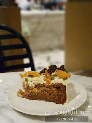 Foto 2 - Makanan(Home-Style Carrot Cake) di Sisterfields oleh JC Wen