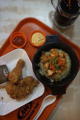 Foto 1 - Makanan di A&W oleh yudistira ishak abrar