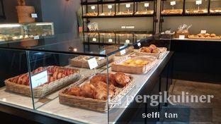 Foto 9 - Interior di Harliman Boulangerie oleh Selfi Tan