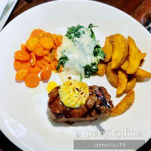 Foto 2 - Makanan(steak condiments) di Atmosphere oleh Sienna Paramitha