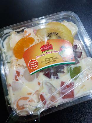 Foto review Esther Salad oleh Olivia @foodsid 2