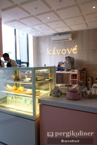 Foto 5 - Interior di Kavove Cafe oleh Darsehsri Handayani
