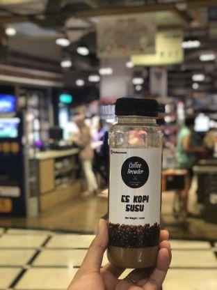 Foto - Makanan(es kopi susu) di Coffee Brewder oleh feedthecat