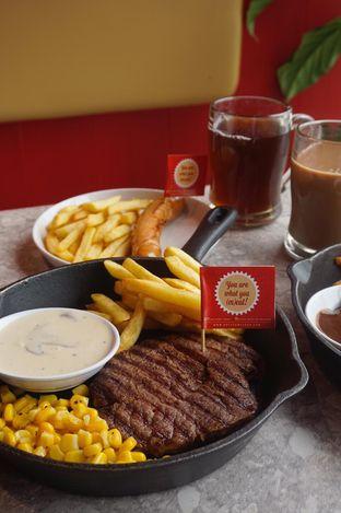 Foto 16 - Makanan di Steak Hotel by Holycow! oleh yudistira ishak abrar