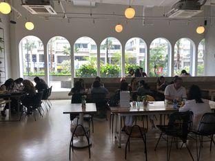 Foto 8 - Interior di Common Grounds oleh YSfoodspottings