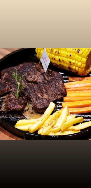 Foto 1 - Makanan di J STEAK oleh Merlin makan