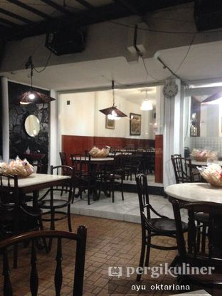 Foto 4 - Interior di Kedai Mie Dago oleh a bogus foodie