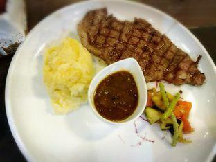 Foto 3 - Makanan di Seven to 7 oleh nanakawaichan