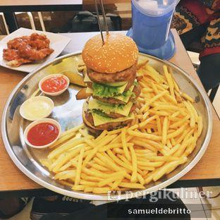 Foto 1 - Makanan di Dino Burger & Rice Steak oleh Samuel Debritto
