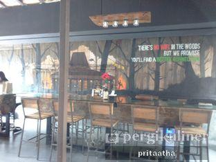 Foto 4 - Interior di Old Wood Bistro & Bar oleh Prita Hayuning Dias