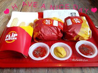 Foto 1 - Makanan di Flip Burger oleh abigail lin