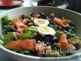Foto 2 - Makanan(Caesar Salad) di Abraco Bistro & Bar oleh Agnes Octaviani