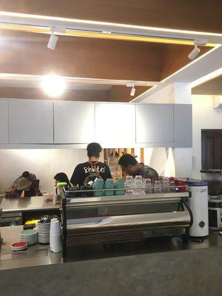 Foto 7 - Interior di Simetri Coffee Roasters oleh Prido ZH