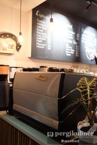Foto 9 - Interior di Kama Coffee & Co oleh Darsehsri Handayani