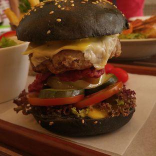Foto 6 - Makanan di Mokka Coffee Cabana oleh eatwerks
