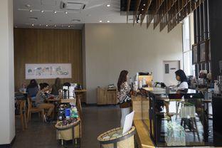 Foto 7 - Interior di Starbucks Coffee oleh yudistira ishak abrar