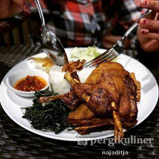 Foto review Isola Cafe oleh Aditya IG: @ditjanaja 1