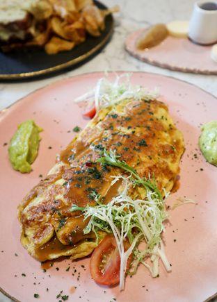 Foto 9 - Makanan di Lume Restaurant & Lounge oleh thehandsofcuisine