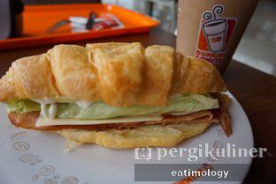 Foto - Makanan di Dunkin' Donuts oleh EATIMOLOGY Rafika & Alfin