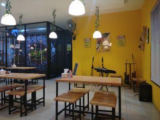 Foto 2 - Interior di Pasta Kangen Coffee Roaster oleh Tia Oktavia