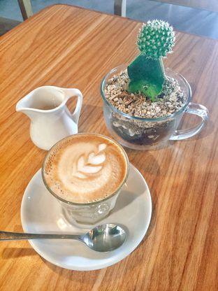 Foto 6 - Makanan di Intro Jazz Bistro & Cafe oleh Astrid Huang | @biteandbrew