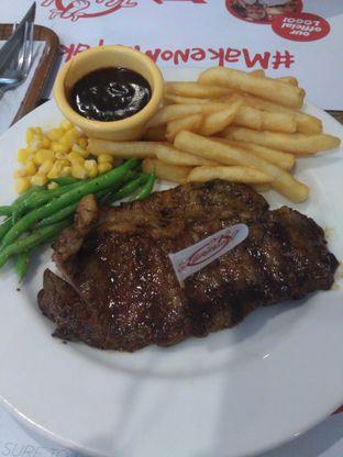 Foto 2 - Makanan di Holycow! STEAKHOUSE by Chef Afit oleh Mira  A. Syah