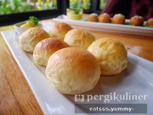 Foto 5 - Makanan(Welcome Bread) di Thirty Three by Mirasari oleh Yummy Eats