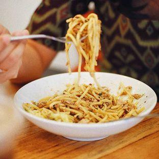 Foto - Makanan(Aglio E Olio Tuna) di Anomali Coffee oleh Eric Suyoto