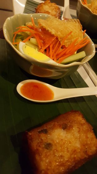 Foto 3 - Makanan(Rujak Penganten) di Meradelima Restaurant oleh Avien Aryanti