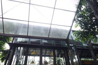 Foto 1 - Interior di Miss Bee Providore oleh Larissa Tanuweta