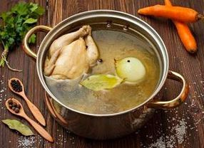 Ingin Buat Kaldu Ayam yang Gurih Tanpa MSG? Ini Tipsnya!