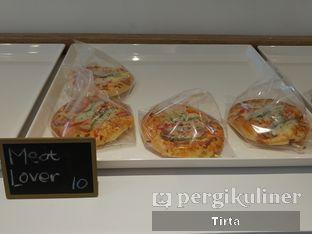 Foto 27 - Makanan di Rokue Snack oleh Tirta Lie